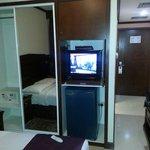 armadio ,,tv e frigo