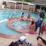 freat pool with swim up bar