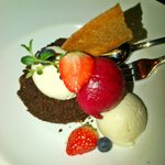 Black bread mousse with cream and ice cream of crawberry and more
