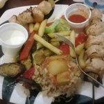 scisc tauk (spiedino di pollo e verdure al forno)