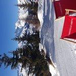 Hotel skis aux pieds... & buller au soleil?