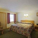 King Standard Hotel Room