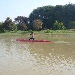 The amazing kayaker that overtook us..!!