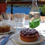Tortas de Frambuesas y de Manzanas caliente