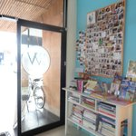 2W Cafe & Hostel