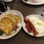 Great breakfast at Waupaca Woods - eggs, bacon and french toast!