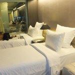 bed (room No. 909)