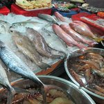 Setting up the fresh seafood in the afternoon