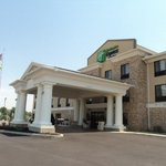 Photo of Holiday Inn Express & Suites Greenfield