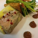 foie gras maison pain d'épices et mesclum