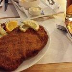 Hoofdgerecht ZAL schnitzel.