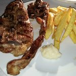 Grilled lamb with fries and