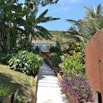 Acceso a escalera para decenso a playa Joao Fernadez