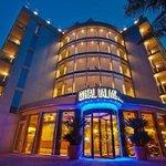 kristal Hotel������