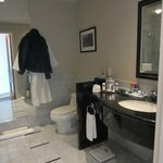 Large bathroom great amenities