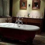 Cromwell Suite Bathroom