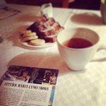 Hotellet bjöd på te och tigerkaka när vi kom en fredagskväll i snöstormen.