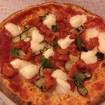 Pizza futura con impasto ai cereali