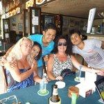 Monkeys Bar & Restaurant - några av personalen!