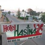 Вывеска с названием отеля