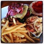 Cheeseburger - very good!