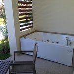 Jacuzzi tub in patio