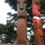 Estatuas maoríes en Auckland