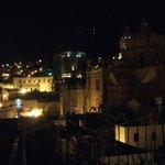 Terraza, vista de noche.