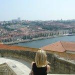 вид на грод Порту со стороны кафедрального собора