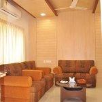 Crown King Suite living room2