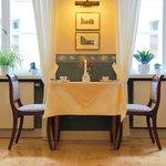 Tisch im Frühstücksrestaurant