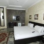 3J'S Royal Suite