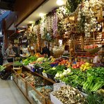 mercato centrale banco di frutta e verdura