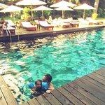 En la Piscina Principal mi hijo aprendiendo a nadar