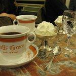 Petite tasse de chocolat à 10 euros