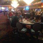 Casino met Hooters Girls