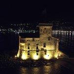 vista notturna sul castello