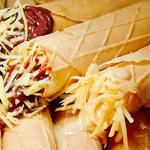 Marquesitas Cariñosas, Queso holandés con cajeta,  nutela o crema de cacahuate