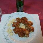 Deliziosi paccheri ripieni di provola e melanzane cotti al forno. ... 5*