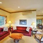 Federation cottage lounge