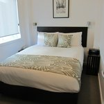 Queen bed - 1 bedroom apartment