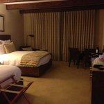 Room with 2 QB