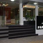 Hotel White Parrot- Entrance