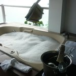 Jacuzzi in the room with an excellent view