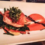 This place has seafood that is so fresh u can enjoy a whole set for dinner. Grilled salmon. The