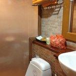 Bathroom & orange towels