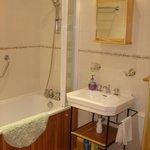 """Salle de bain du gîte """"le Biscottage"""""""