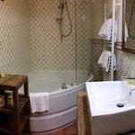 Il bagno della suite Peonia