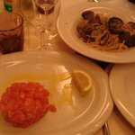 Tartare di salmone (che buona!!) e spaghetti alle vongole