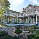 Bird House Inn at Excelsior Bay